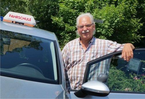 Detlef und der Golf Sports Van | Fahrschule Bad Oldesloe & Reinfeld